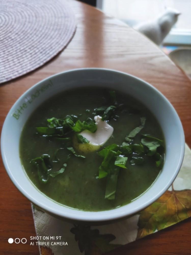 delicious sorrel soup...Sauerampfer Süppchen...